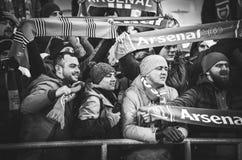KIEV, UKRAINE - 29 novembre 2018 : Fans et ultras d'arsenal de FC pendant la correspondance d'UEFA Europa League entre Vorskla Po images stock
