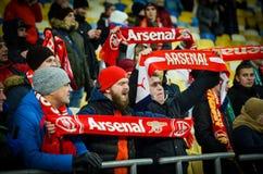 KIEV, UKRAINE - 29 novembre 2018 : Fans et ultras d'arsenal de FC pendant la correspondance d'UEFA Europa League entre Vorskla Po photos stock