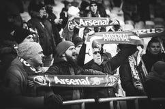 KIEV, UKRAINE - 29 novembre 2018 : Fans et ultras d'arsenal de FC pendant la correspondance d'UEFA Europa League entre Vorskla Po photo libre de droits