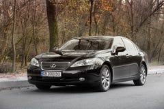Kiev, Ukraine - 5 novembre 2018 : Voiture noire de Lexus es sur la route photo stock