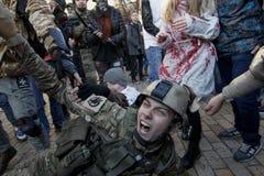 KIEV, UKRAINE - 31 octobre 2015 : Célébration de Halloween dans Kyiv Photo libre de droits