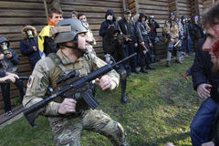 KIEV, UKRAINE - 31 octobre 2015 : Célébration de Halloween dans Kyiv Image stock