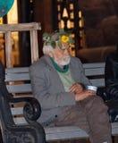 Kiev, Ukraine - septembre 10,2013 : Homme de mendiant rassemblant l'aumône dedans image stock