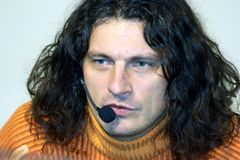 kiev ukraine 06 03 Stående 2008 av en berömd ukrainsk sångare Kuzma royaltyfri fotografi