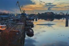 kiev Zmierzch Przemysłowy teren na bankach Zdjęcie Stock