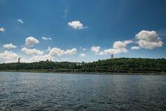 Kievo-Pecherskaya lavra,纪念碑祖国 免版税库存图片