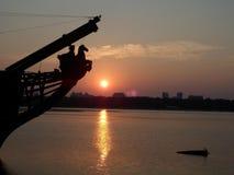 Kiew-Dämmerung auf dem Fluss Dnepr, Ukraine stockfotografie