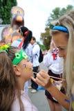 KIEW, UKRAINE - 24. AUGUST: Mega- Marsch von Stickereien im ukrainischen Hauptstadt Kyiv Ruhige Zeit Lizenzfreie Stockfotografie