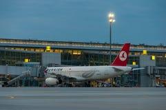 KIEW, UKRAINE - 10. JULI 2015: Turkish Airlines Stockfotos