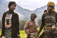 KIGALI, RWANDA - 6 DE SEPTIEMBRE DE 2015: Gente no identificada Las caras de África Foto de archivo libre de regalías