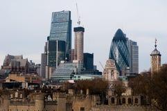 KIGDOM UNIDO, LONDRES, O 7 DE DEZEMBRO DE 2016: Vista de arranha-céus de Londres na Londres-cidade Foto de Stock