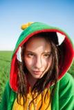 Kigurumi дракона девушки с dreadlocks Стоковые Фотографии RF