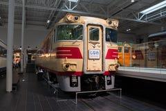 KiHa τραίνο 181 σειρών στην Ιαπωνία στοκ εικόνες