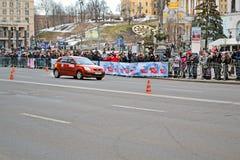Kobieta sportowego samochodu przedstawienie na Kreshatik w Kijów, Ukraina, Obrazy Royalty Free