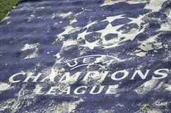 KIJÓW, UKRAINA - DEC 06: Śnieżny loga i emblemata UEFA mistrzów Lea Zdjęcie Stock
