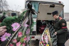 KIJÓW UKRAINA, Kwiecień, - 3, 2015: Ceremonia pogrzebowa dla ukraińskiego żołnierza Igor Branovitskiy który zabił w wschodnim Ukr Obrazy Stock