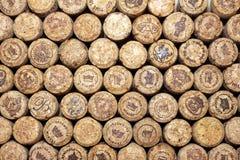 KIJÓW UKRAINA, KWIECIEŃ, - 22: Iskrzastego szampańskiego wina redakcyjny tło z logami na Kwietniu 22, 2017 w Kijów, Ukr Obrazy Royalty Free