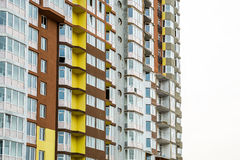 Kijów Ukraina, Kwiecień, - 08, 2016: szczegóły nowożytny budynek mieszkaniowy Obrazy Royalty Free