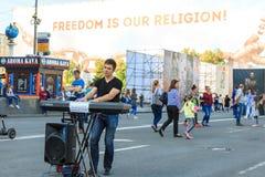 Kijów, Ukraina - mogą 6, 2017 Przygotowania dla Eurowizyjny 2017 na Khreshchatyk Wolność, muzyka kiev Ukraina Zdjęcia Royalty Free