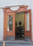 Kijów Ukraina, Październik, - 03, 2015: Otwarte drzwi sklep na St Andrews spadku Zdjęcie Stock
