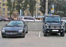 Kijów, Ukraina Sierpień 18, Maserati Quatroporte i Mercedez G55, 2010, obraz stock