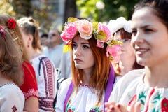 KIJÓW UKRAINA, Wrzesień, - 26, 2015: Marzec w vyshyvankas w w centrum Kijów Fotografia Stock