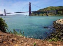 Kijk op San Francisco ` s Golden gate bridge, uit Sausalito, Californië wordt gehad dat Royalty-vrije Stock Foto