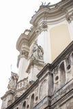 Kijk van bodem aan de oude bouw royalty-vrije stock foto