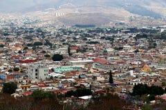 Kijkend over Oaxaca-stad, Mexico stock foto