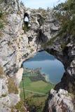 Kijkglas Drachenloch in Drachenwand klettersteig Royalty-vrije Stock Foto