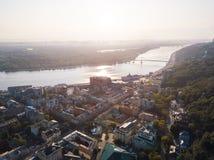 Kijowski Kiyv Ukraina dziejowy centrum panaramic widok z lotu ptaka Puszka miasteczko Dnepr Dnipro i rzeka zdjęcia stock