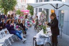Kijowski kwiatu rynek - pierwszy miasto kwiatu jarmark w Kijów, Ukraina Wrzesień 18, 2016 Zdjęcie Royalty Free