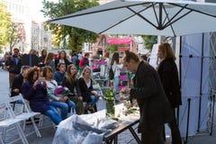 Kijowski kwiatu rynek - pierwszy miasto kwiatu jarmark w Kijów, Ukraina Wrzesień 18, 2016 Obraz Stock