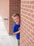 kika för barn Fotografering för Bildbyråer
