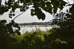 Kika sikt av sjöpartiet på Sandbar fotografering för bildbyråer