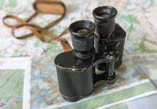 Kikare och översikt - ruttplanläggning Royaltyfria Bilder