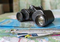 Kikare och översikt - ruttplanläggning Royaltyfria Foton