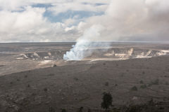Kilauea caldera i Volcanoes nationalpark, Hawaii arkivfoton