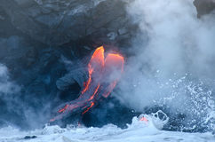 Kilauea Vulkan-Lavafluß, Hawaii stockfotos