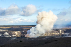 Kilauea vulkan på natten arkivfoton