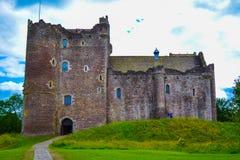 Kilchurn slott, en förstörd struktur på fjordvördnaden, i Argyll a royaltyfria foton