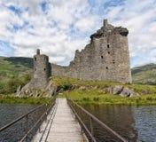 Kilchurn slott från pir Fotografering för Bildbyråer