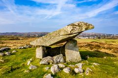 Kilclooney dolmen jest neolityczny pomnikowy datowa? z powrotem 4000, 3000 mi?dzy Ardara i Portnoo w okr?gu administracyjnym Done zdjęcia royalty free