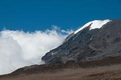 Kilimanjao in wolken royalty-vrije stock fotografie