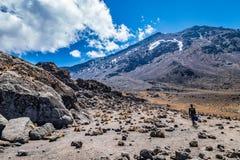 Kilimanjaro-Ansicht von der Machame-Wegspur lizenzfreies stockbild