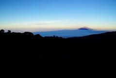 Kilimanjaro: ao longo da rota de Machame fotografia de stock