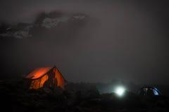 Kilimanjaro hoogste mening in nacht stock afbeelding