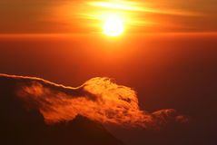 kilimanjarosoluppgångöverkant royaltyfri bild