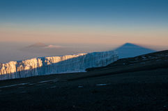 Kilimanjoro, Meru e geleiras Fotos de Stock Royalty Free