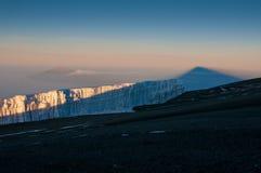 Kilimanjoro, Meru y glaciares Fotos de archivo libres de regalías